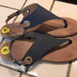 💙🌞BOGO under $10 White Mountain Sandals